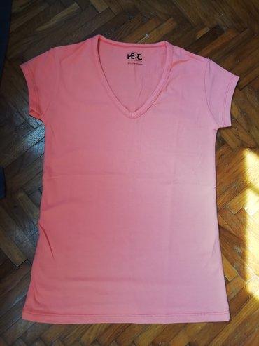 Majica vel M. Nova je, nikad nosena, ocuvana. Lepo stoji, pamuk je u