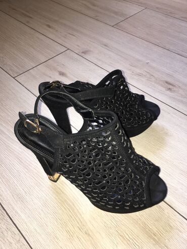 Продаю кожаные туфли от Assol в отличном состоянии, очень удобная коло