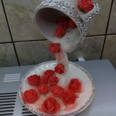 Ukrasne solje i korpe sa cvecem, lep poklon za 8. Mart   - Kovilj