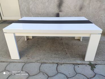 Masinski inzenjer - Srbija: Klub stol je napravljen od univera I masinski je kantovan.Dimenzije su