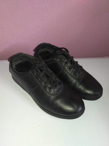Кожаные туфли 35 размер, состояние идеальное. 3 микрорайон в Бишкек