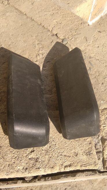 şevralet niva - Azərbaycan: Zavod niva buferinin usdunnen cixib. Teze nivanin deyil kohnelerdendi