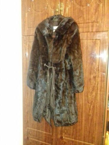 Продаю норковую шубу,почти новая,натуральный мех,с капюшоном и поясом. в Бишкек