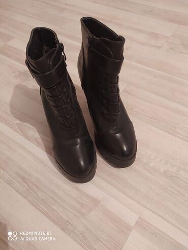 sapogi zhenskie 37 razmer в Кыргызстан: Ботинка деми на каблуке в хорошем состоянии.Размер 37