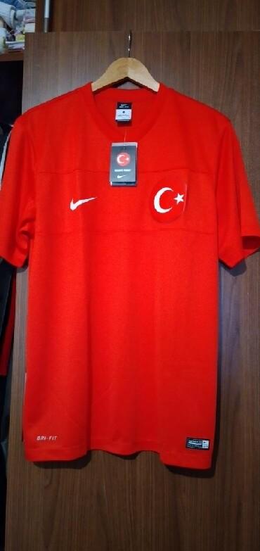 - Azərbaycan: Original Nike futbolka. Türkiyədə alınıb yenidir. Razmer L. Türkiyə