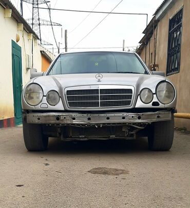 Mercedes-Benz - Azərbaycan: Mercedes-Benz E 230 2.3 l. 1995 | 446111 km