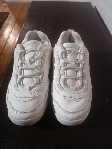 Dečije Cipele i Čizme - Raska: Hm patike za devojčice br 32 dužina gazišta 21cm očuvane vrlo kratko
