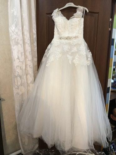 Свадебное платье!!! Новое!!!!! в чехле размер 44-46 сидит отлично