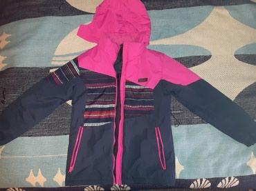 Dečije jakne i kaputi | Ruma: Brugi jakna za devojcice nosena jednu sezonu velicina 12-13.Kao nova