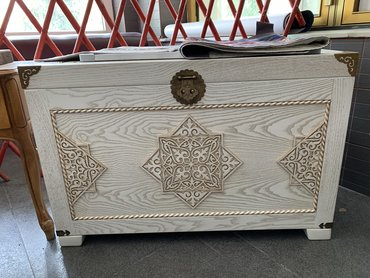Сундуки - Кыргызстан: Продаю очень красивые деревянные сундуки для приданого, выполнены маст