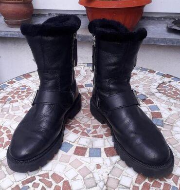 Kozna jakna sa krznom - Srbija: ZARA 36(23cm) KOZACrne duboke cipele-cizmeIznutra postavljene