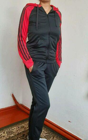 Спортивный костюм Adidas оригинал, почти новый покупала в спорт