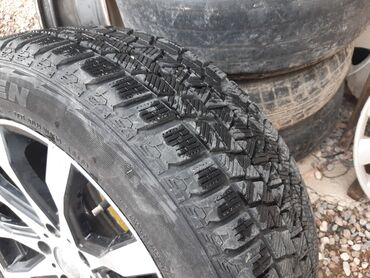 диски момо r18 в Кыргызстан: Диски 17 на Хонда  Резина 215/55R17 зима