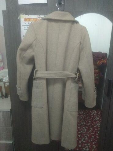 Пальто сатылать 3000 сом.Колдонулган 3,4 жолу