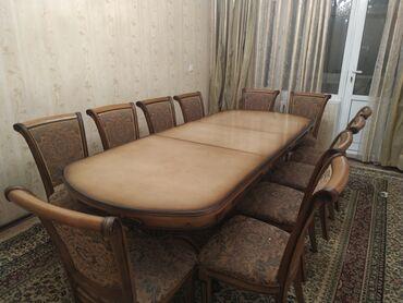 стол для гостиной в Кыргызстан: Продаются стол со стульями. Стол 3.5 метро раздвижной. 11 стульями В о