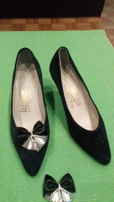 Cipele od prevrnute koze, samo jednom obuvene, masnica se malo - Belgrade