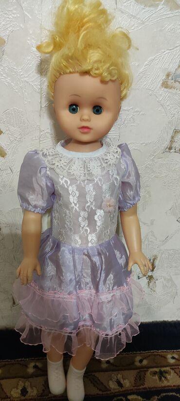 Продам б/у куклу в хорошем состоянии. Высота 60 см. Писать в what's