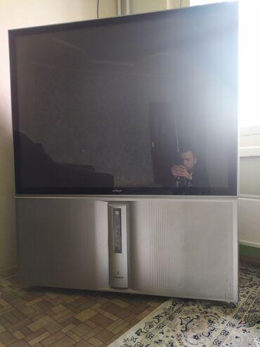 Продаю телевизор большой фирмы Хитачи, нет пульта и нет стандартной