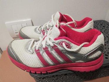 Barbie set - Crvenka: SNIŽENJEEE Adidas. Idealne za trčanje i trening, duge setnje i druge