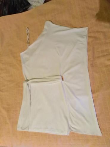 Elegantna bela lagana haljinica, jednom obucena u odlicnom stanju, - Srbobran