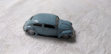 Avtomobil modelləri | Srbija: Burago VW BEETLE1:64 (7 cm) ocuvan