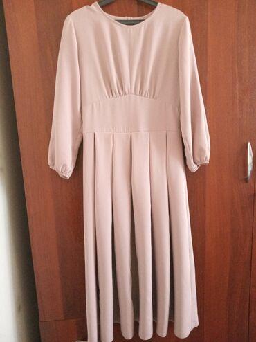 черное длинное платье в Кыргызстан: Платье французской длины. Договор уместен
