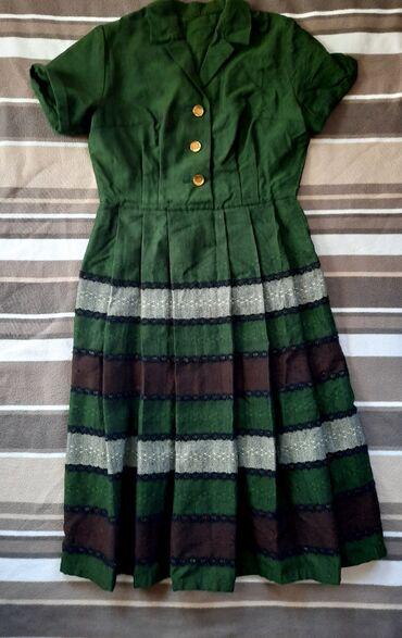 Vintage haljina. Vel L. Sa vezom. Bogatog sastava. Ispod kolena