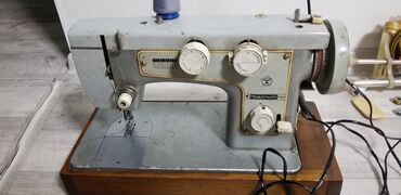 моторы для швейных машин в Кыргызстан: Продаю ПОДОЛЬСК Электрическую б/у швейную машину с моторчиком