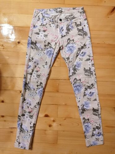Calliope cvetne pantalone