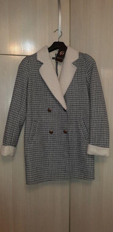 Продаю пальто женское, новое с этикеткой. 44 размер. Подарили, не