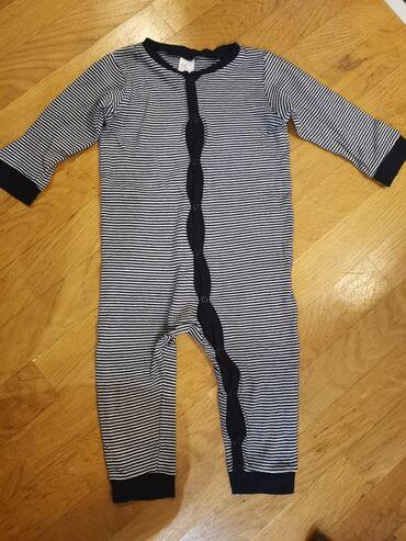 Bodi - Smederevska Palanka: H&M zeka /pidžama za bebe dečake Vel 80, od 9-12 meseci Kao nova