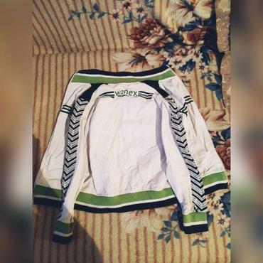 велосипед для мальчика 3 лет в Кыргызстан: Спортивная кофточка в хорошем состоянии на мальчика3-5 лет