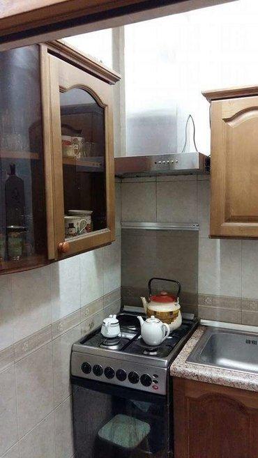 Bakı şəhərində Metro ecemiye yaxin 16 mertebeli binanın 10cu mertebesinde menzil