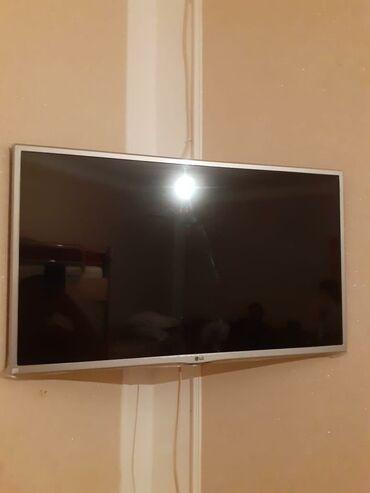 82 ekran tv ela veziyyetde 300 azn. Smartdi. (interneti var.) jale