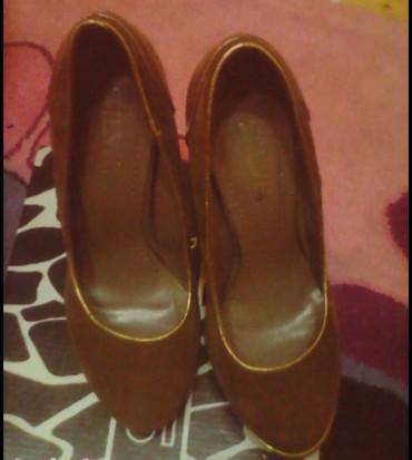Ženska obuća   Bujanovac: Cipele,super stanje,nosene samo na doceku nove godine. Malo tamnije