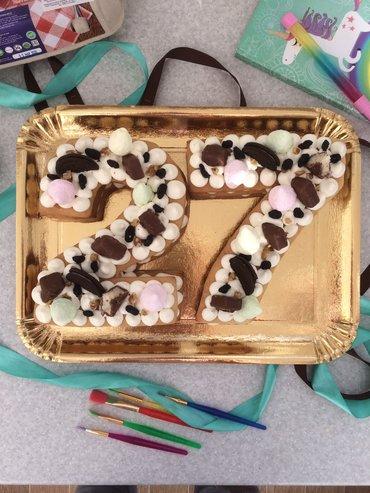 Торты - Кыргызстан: Торт медовый с крем-чизом   Оформление:  - ягоды  - фрукты  - шоко