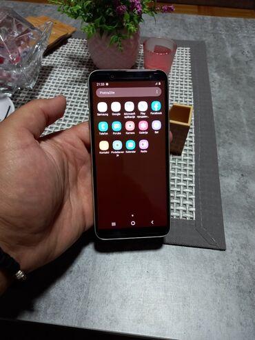 Mobilni telefoni - Kragujevac: Samsung j6 zlatni