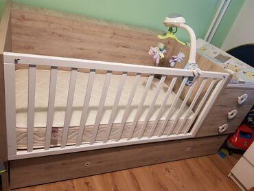 Kupujem - Srbija: Krevetac je u odličnom stanju, ocuvan, ispod Kreveta se nalazi pomocni