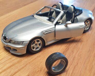 Auto gume - Srbija: BURAGO BMW roadster 1996.godiste kabriolet automobilcic igračka