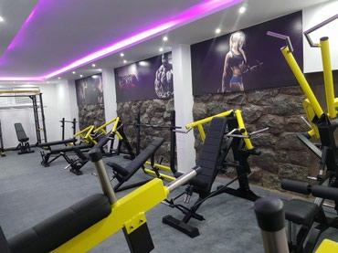 Prodajem luksuzne profi masine za teretane i fitness centre. Masine