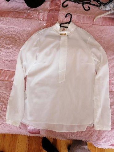 qoroşkalı qadın bluzu - Azərbaycan: 38 razmer. Bluz sifondur, geyinilmeyib