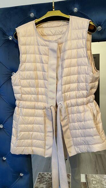 вешалка для верхней одежды бишкек в Кыргызстан: Моднаятёплая лёгкая жилетка в отл состоянии размер с-м цена 1500