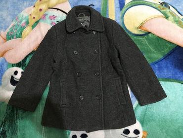 Stefanel kaput,vel.6 god.možda više za 5 god.Sivo,bez oštećenja.dužina