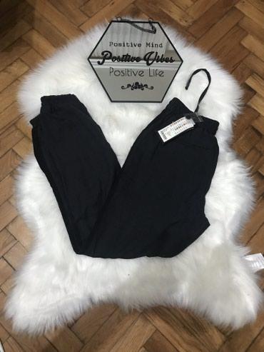 NOVE NewYoreker Amisu pantalone, tamno sive boje, skoro crne, sa - Sremska Mitrovica