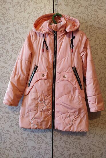 Куртки - Лебединовка: Лёгкая курточка на девочку 7-8 лет.Б/У ОТЛИЧНОЕ СОСТОЯНИЕ.500