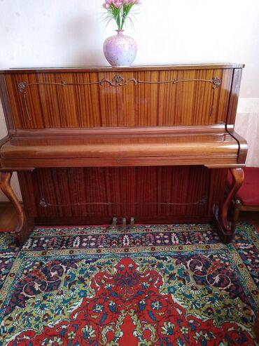 2935 объявлений: Продам пианино Ronisch в отличном состоянии, трёх педальное, красивое