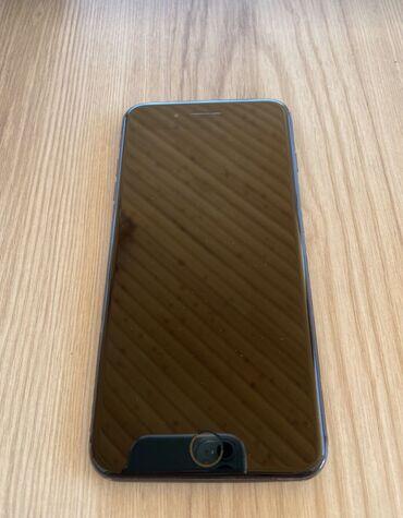 IPhone 8 Plus 64gb arxa şüşəsində çatı var başqa heç bir prablemi