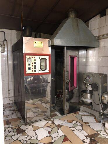 Продаю Иранскую печь и рядом стоящий миксер в подарок. Производственна