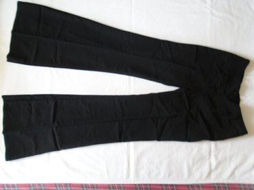 Poslovno elegantni komlet - Srbija: Terranova pantalone za svaku priliku, na peglu, crne od tanjeg