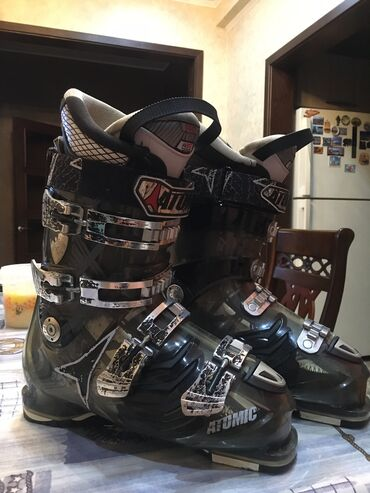 Спорт и хобби - Бостери: Горнолыжные ботинки ATOMIC Жёсткость 100 размер 42